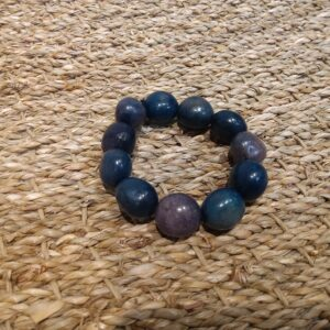 Bracelet de graines colorées