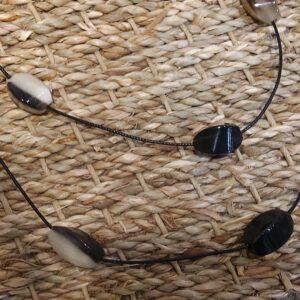 Sautoir perles Olives corne