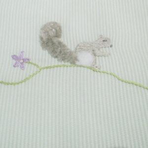 Bavoir oval écureuil