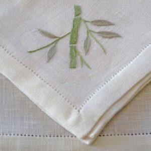 Serviettes de table brodés main bambou